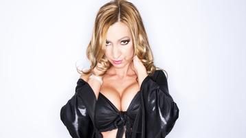 SexyJulieXXX tüzes webkamerás műsora – Lány Jasmin oldalon