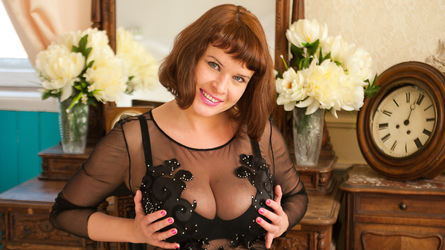 hugetits4fun's profile picture – Mature Woman on LiveJasmin