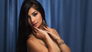 Show fierbinte la webcam AlexyaPear  – Fata pe Jasmin