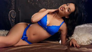 Show fierbinte la webcam AdalynBree  – Fata pe Jasmin