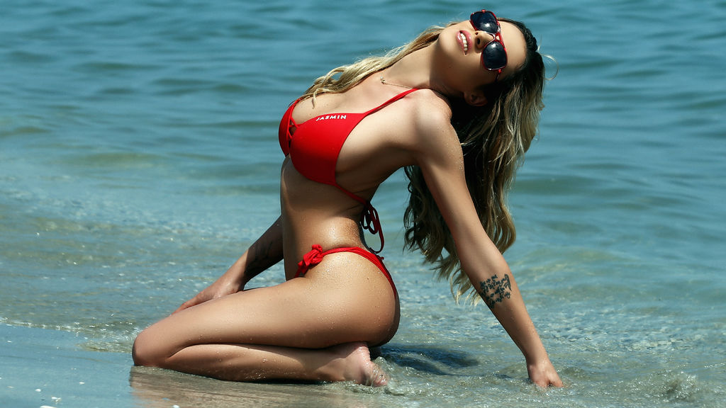 CurvedLizzie's hot webcam show – Girl on LiveJasmin