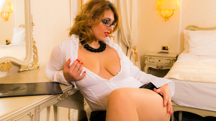 BORN2BEJUST4U's profile picture – Girl on LiveJasmin
