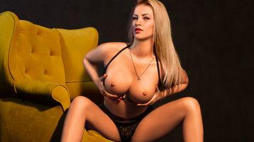 Show fierbinte la webcam LOVELYBLONDIExx  – Fata pe Jasmin