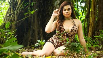 Gorący pokaz xYOUngNaughtyToP – Transseksualista na Jasmin