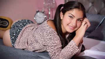 Show fierbinte la webcam NatalieSolarie  – Fata pe Jasmin