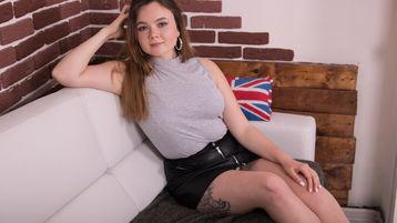 Show fierbinte la webcam RachelTurner  – Fata pe Jasmin