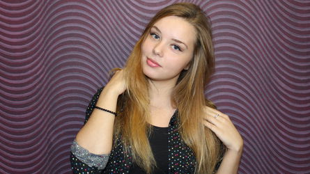 AliceDreamTales | MyCams