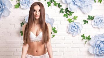 Show fierbinte la webcam GiseleBi  – Fata pe Jasmin