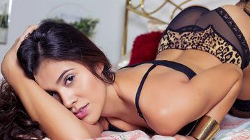 Show di sesso su webcam con Sophythaylor – Donna su Jasmin
