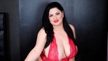 Show-ul fierbinte al lui LovelyBoobz4U – Fata pe Jasmin