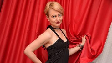 DivineKlara:n kuuma kamera-show – Nainen sivulla Jasmin
