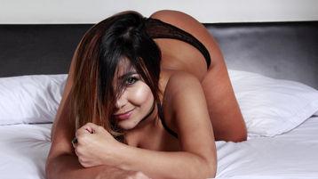 Show-ul fierbinte al lui ValenRose – Fata pe Jasmin