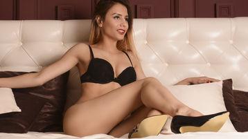 Sexy show su webcam di AmieBloom – Ragazze su Jasmin