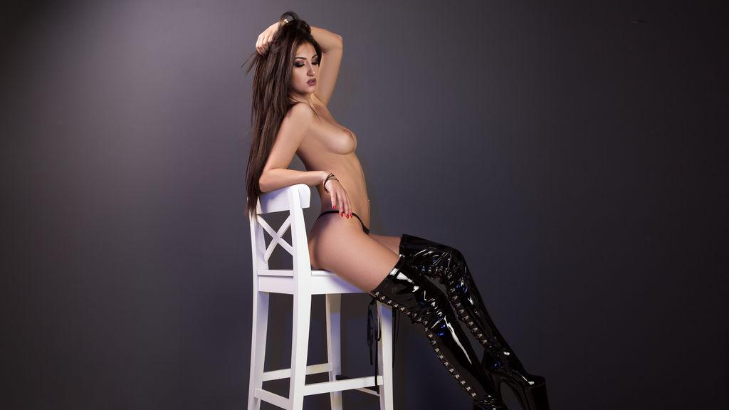 HoneyDiva's hot webcam show – Girl on LiveJasmin