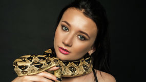 Show caliente de webcam de AngieStones – Flirteo Caliente en LiveJasmin