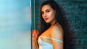 Show fierbinte la webcam KandyCarllton  – Fata pe Jasmin