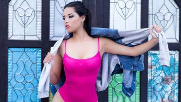 Show fierbinte la webcam SophieRoss  – Fata pe Jasmin