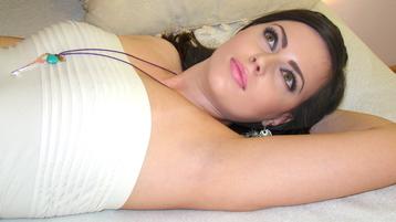Show-ul fierbinte al lui Chrystynne – Fata pe Jasmin