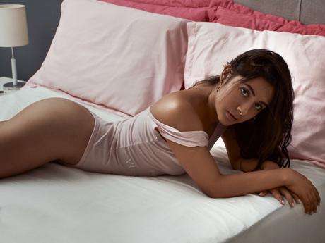 naughttyAmara