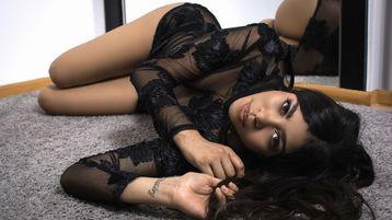 Show fierbinte la webcam LindaRichs  – Fata pe Jasmin