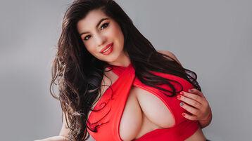 Show fierbinte la webcam HalleyCoral  – Fata pe Jasmin