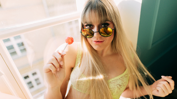 MissJulianna's hot webcam show – Girl on Jasmin