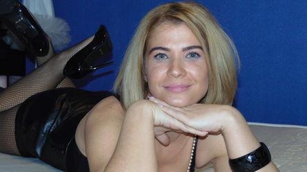 LuanaSummery:n profiilikuva – Nainen sivulla LiveJasmin